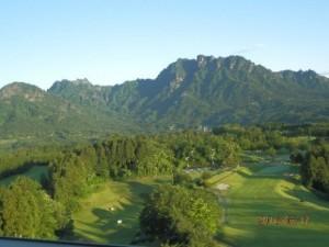 ホテルから妙義山を望む