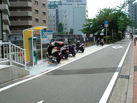 普通自動二輪車(125CC以下)を駐車可能とする規制の緩和例