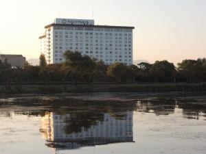 琵琶湖から望む宿泊先の長浜ロイヤルホテル
